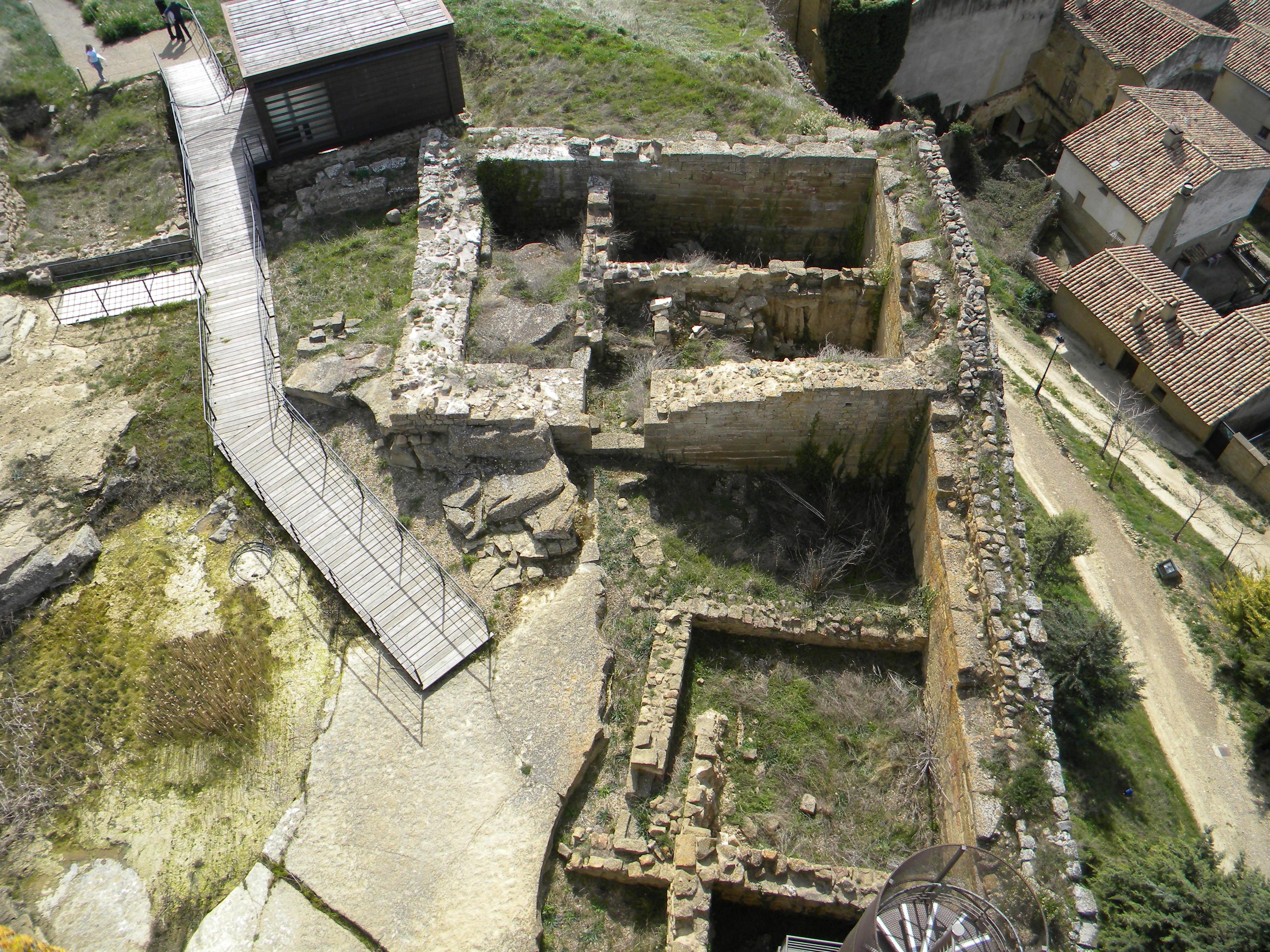 46 Ruinas e Uncastillo
