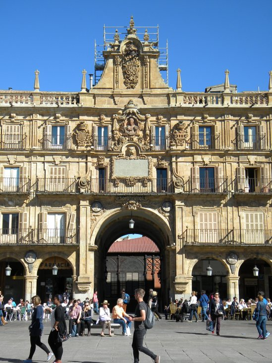 37 Plaza Mayor