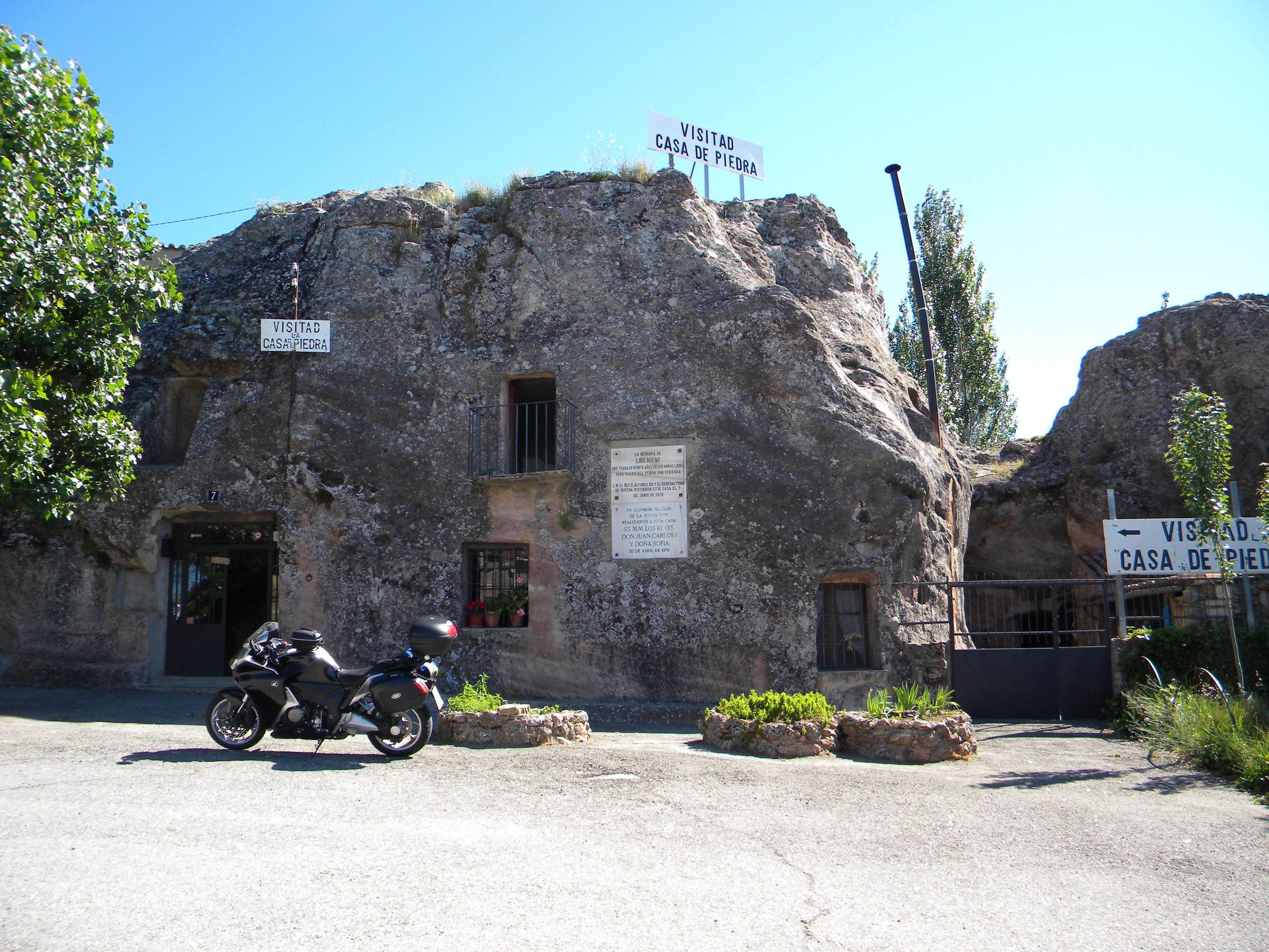 23 Casa de Pedra